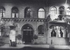 ATO 1 na produção de 1942 de Olof Molander, no Dramaten de Estocolmo