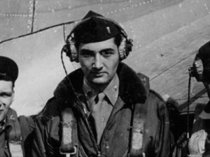 Howard Zinn participou da Segunda Grande Guerra como aviador
